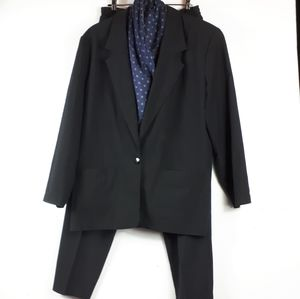 Vintage Beechers Brook BLack Woman's Suit